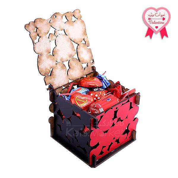 Kala Market-کالا مارکت- box2 1 1 600x600 - جعبه شکلات قرمز مشکی (طرح Big Heart)