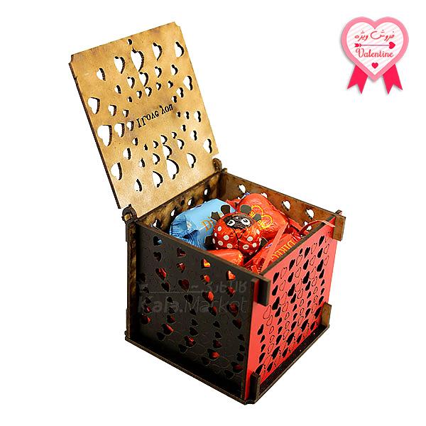 Kala-Market - box3 1 1 - جعبه شکلات قرمز مشکی (طرح Tiny Heart)