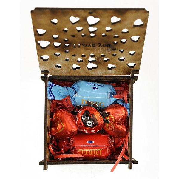 Kala-Market - box3 2 - جعبه شکلات قرمز مشکی (طرح Tiny Heart)