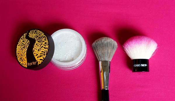 Kala-Market-MTE4MDAzNDE3ODQzNDY3Nzkw-همه آن چیزی که باید در رابطه با پودرهای صورت بدانید!-آرایش و زیبایی آرایش و زیبایی صورت سلامت پوست لوازم آرایش