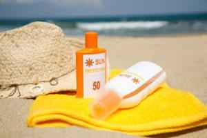 Kala-Market-iStock_000010371253_Medium-300x200-11 دلیل برای اینکه چرا باید از ضد آفتاب استفاده کنید-آرایش و زیبایی آرایش و زیبایی صورت سلامت پوست لوازم آرایش
