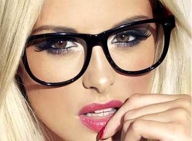 Kala-Market-eye-glass-kala-market2-آرایش اختصاصی برای خانم های عینکی!-آرایش و زیبایی آرایش و زیبایی صورت اکسسوری لوازم آرایش مد و لباس